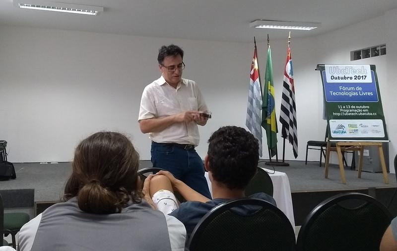 Prof. Marcelo Zuffo - Caninos Loucos / LSI TEC