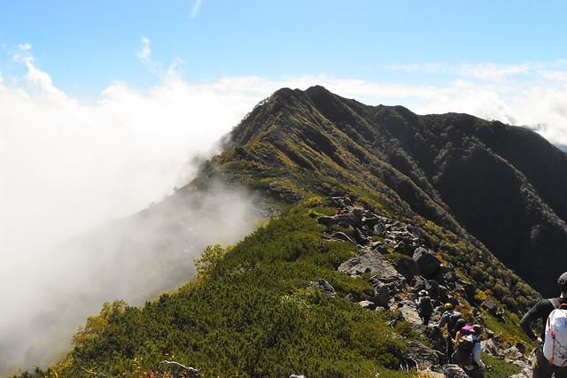 栗沢山からアサヨ峰へ 縦走登山
