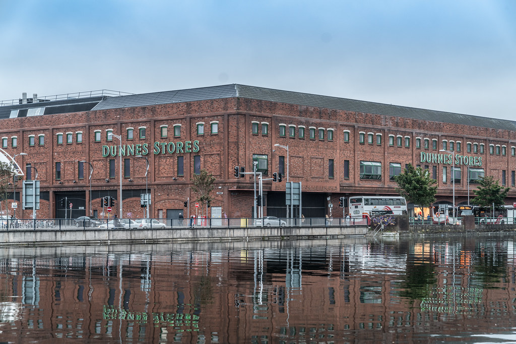 DUNNES STORES BESIDE THE BUS STATION 003