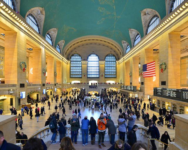 Gran Central Station, en Nueva York, repleta de personas
