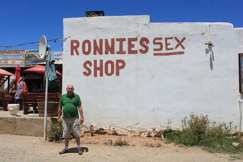 20170119_0255-Ronnies-sex-shop | by abelpc_5355