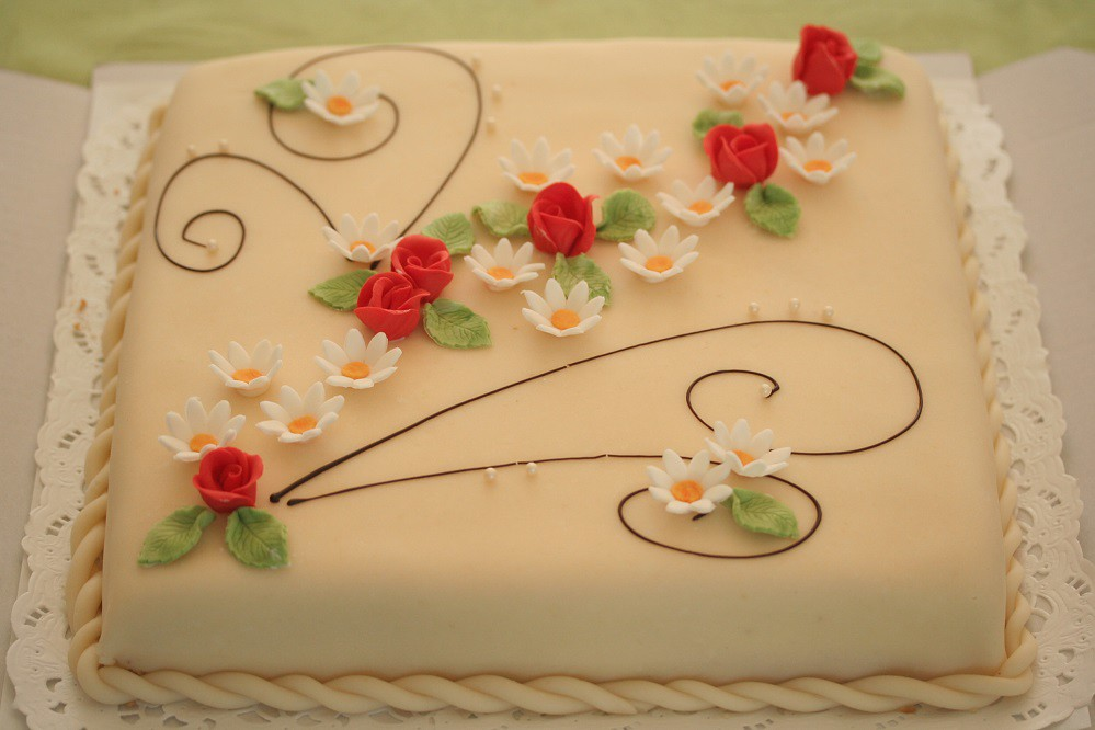 Choose This Birthday Designer Cake Online Delivery In Sect Flickr