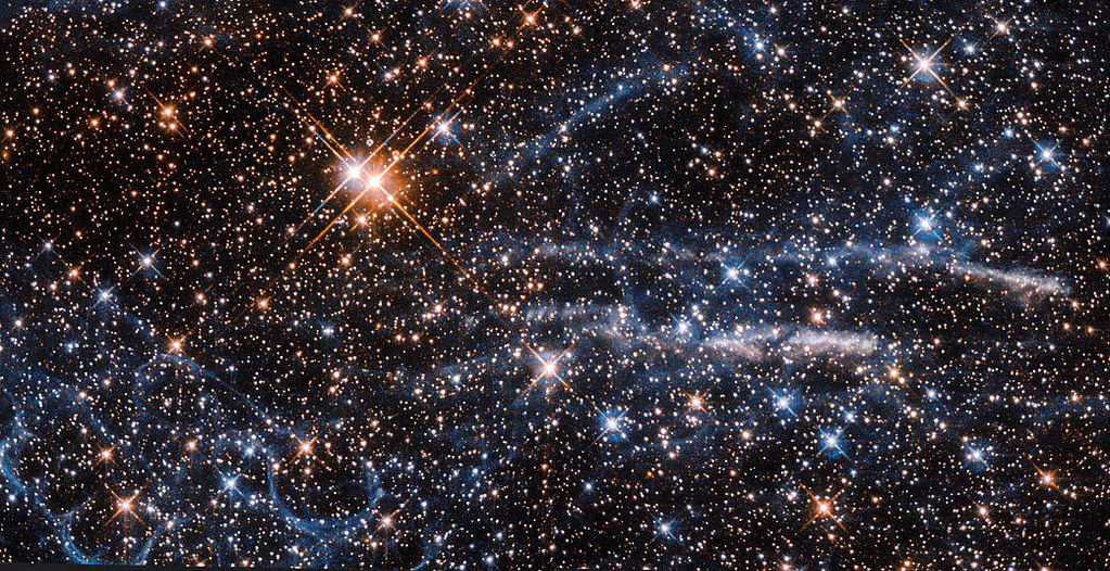 spaceship pictures bubbles in space at a distance of just 160 000 light 9131