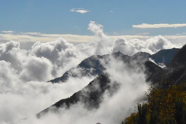 雲海と鳳凰三山・地蔵岳のオベリスク