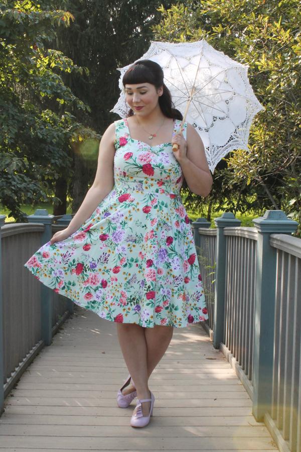 retro dress parasol