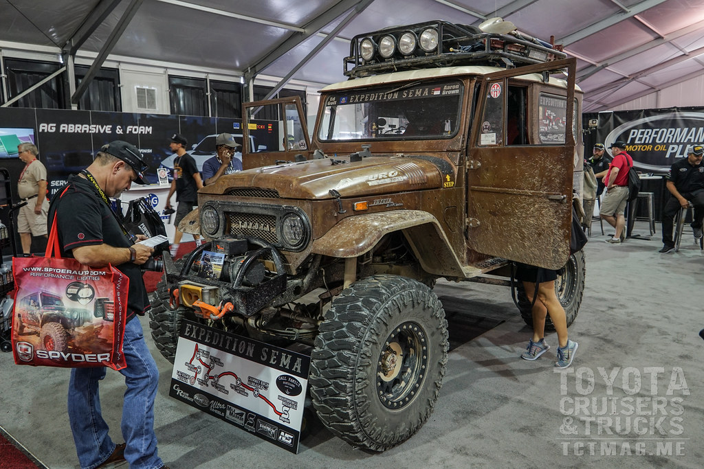 SEMA Show 2017 FJ 40 Land Cruiser Expedition