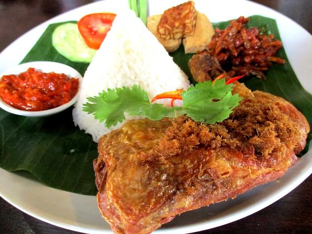 Cafe Ind ayam penyet rice
