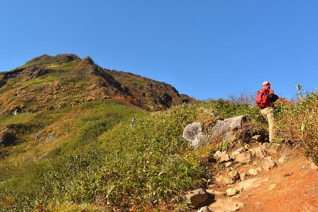 秋の苗場山登山