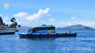 Bus en Tiquina