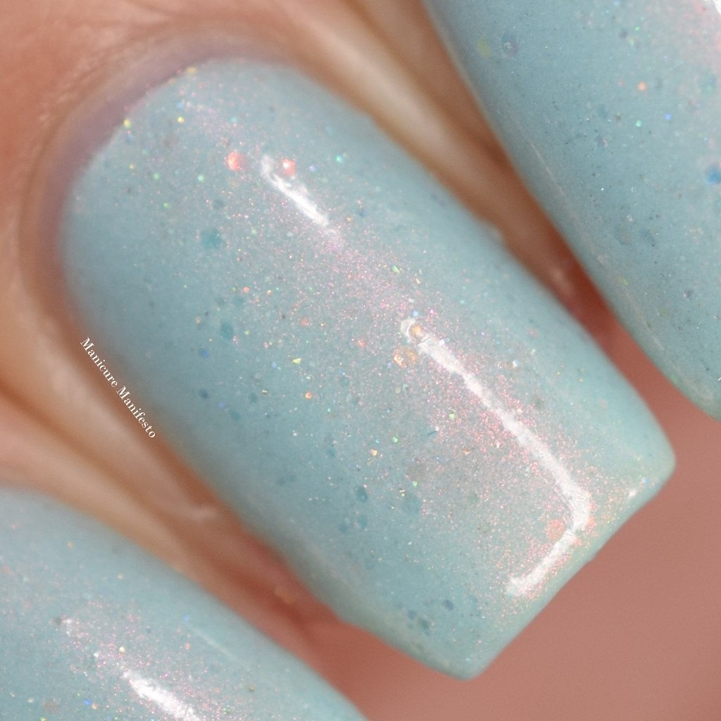 Femme fatale Paper Clouds swatch
