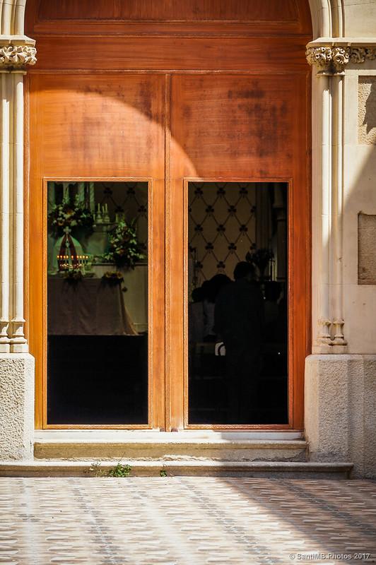 Puerta de la iglesia del convento de las Hermanas Mínimas de Horta