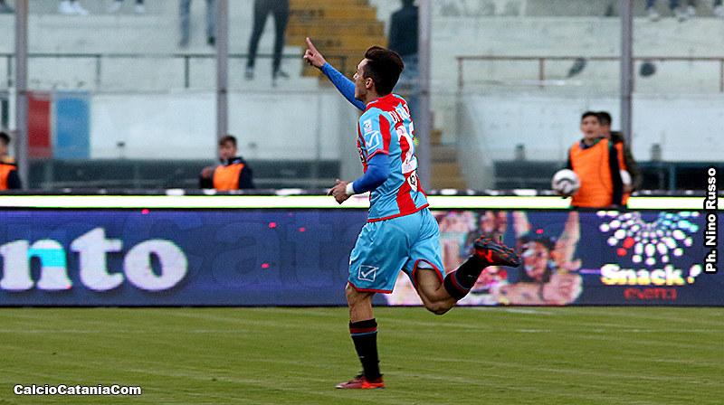L'esultanza di Andrea Di Grazia dopo il suo gran gol