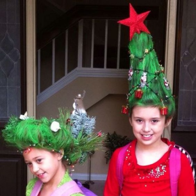 7226465-Fun-and-Creative-Christmas-Hairstyles-2016-5-1512093725-650-b907745c48-1512141902