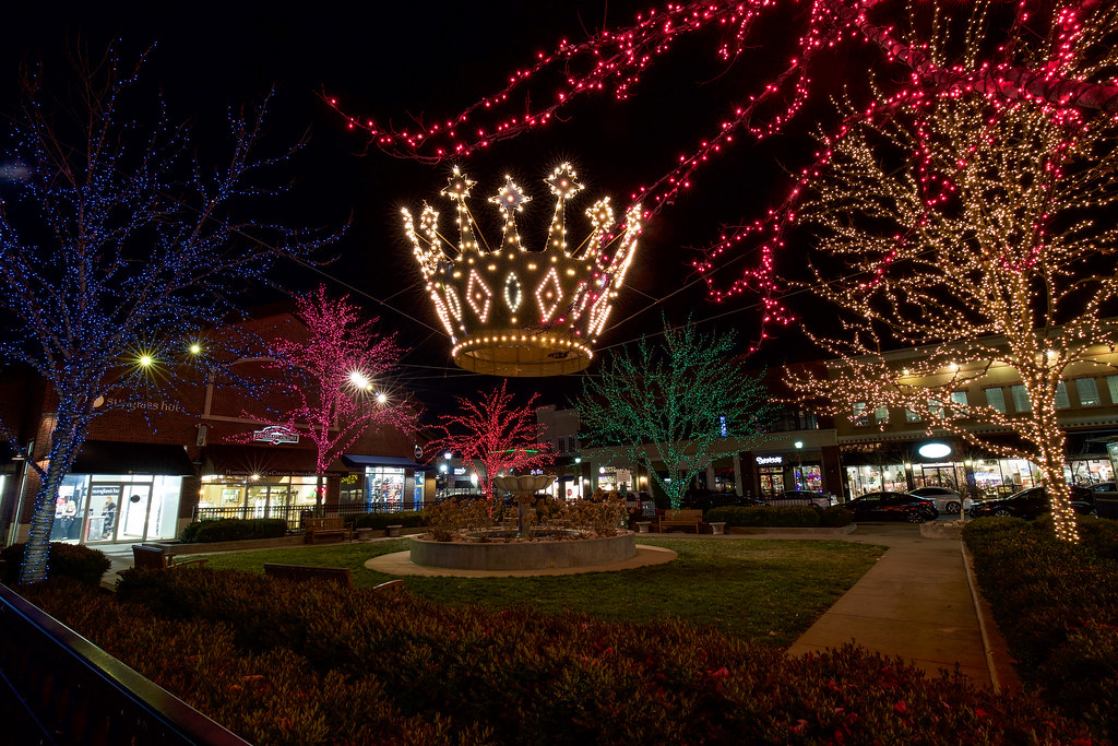Christmas Crowns at Zona Rosa | The Kansas City Crowns are a… | Flickr