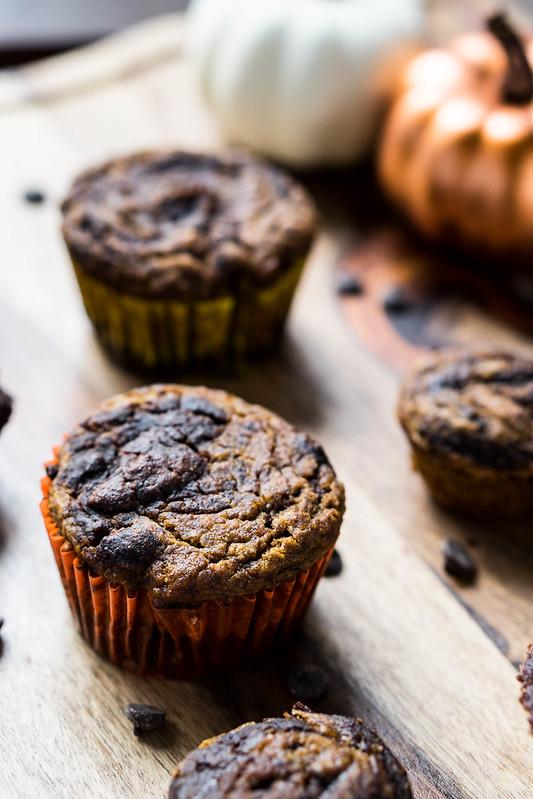 Chocolate Pumpkin Swirl Muffins | cookingalamel.com