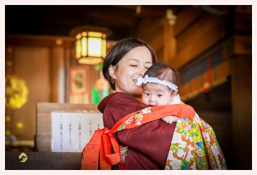 お宮参りのロケーション撮影 岐阜護国神社(岐阜県) 服装は? ママもお着物 女性カメラマンによる出張撮影でオシャレで自然な写真