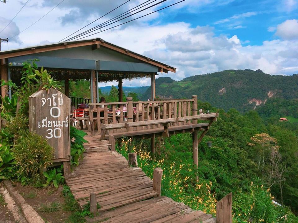 Bon ja bo Hill noodle : 泰国拜县270度悬空景观餐厅 泰国旅游 第1张