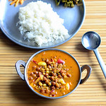 Kondakadalai kuzhambu Recipe - Chana gravy for rice