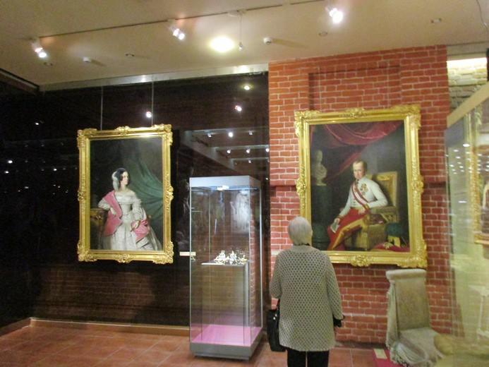 Лаврушинский выставки