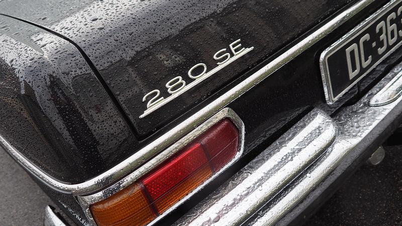 Mercedes 280 SL 1968 - Linas (91) Novembre 2017 24492603328_624172261d_c