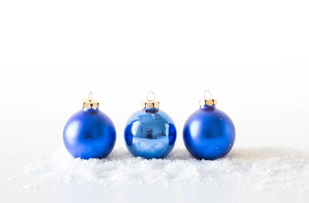 Blue christmas ball ornaments 📷 stock photos fotos downu2026 flickr