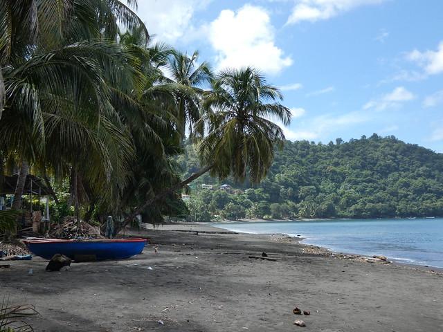 Una playa de Chateaubelair en San Vicente y las Granadinas