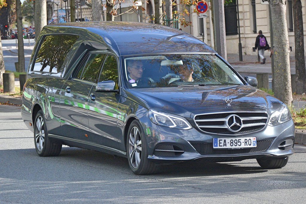 Mercedes benz hearse seen in paris charles dawson for Used mercedes benz hearse for sale