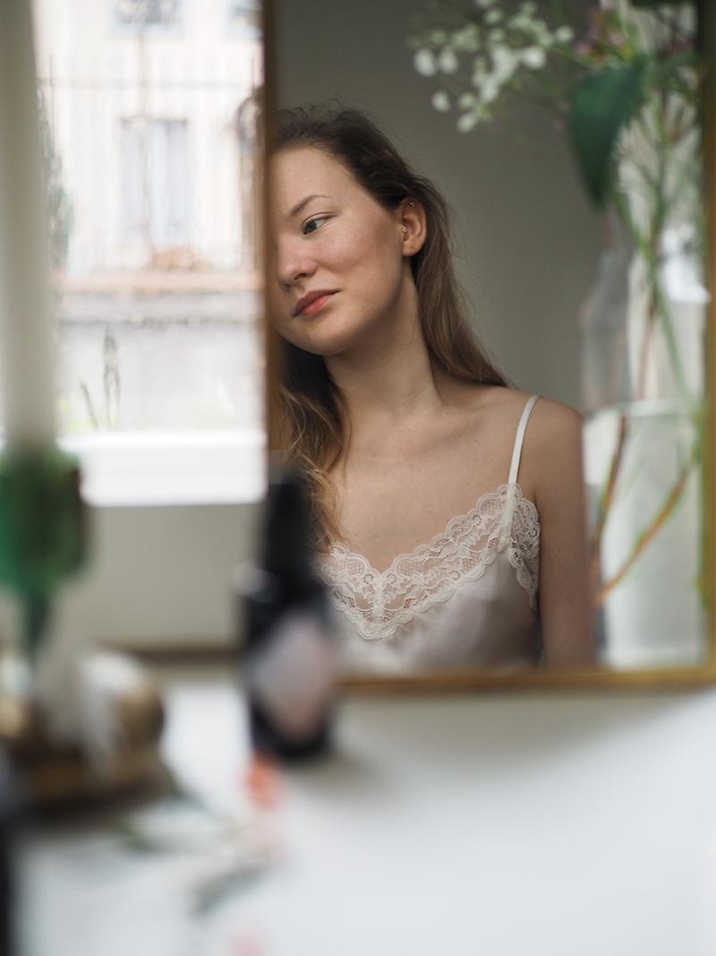 Kosteuttava ja peittävä luonnollinen meikkivoide - NUI Cosmetics