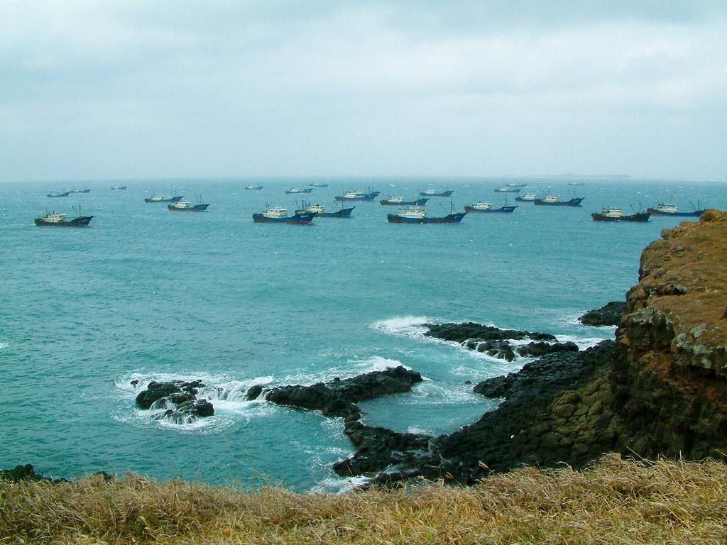 大陸漁船越界捕魚20多年,現已不復見於南方四島國家公園海域。(照片提供/蕭再泉)