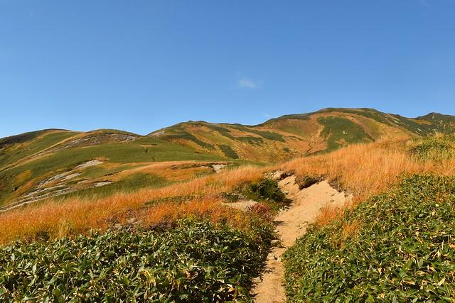 以東岳へと続く稜線