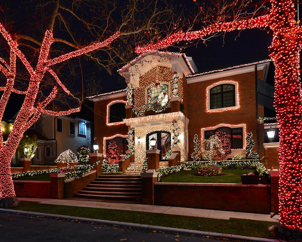 casas adornadas en Navidad