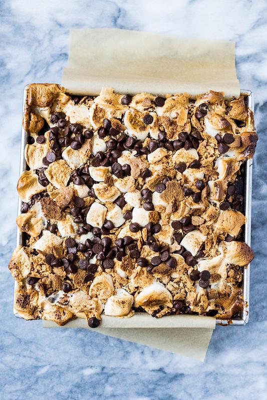 S'mores Brownies | cookingalamel.com