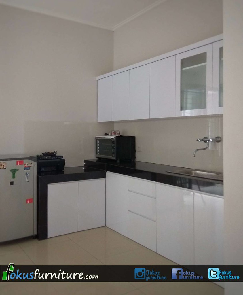 Kitchen Set Minimalis Finishing Hpl Putih Di Cluster Asia Flickr