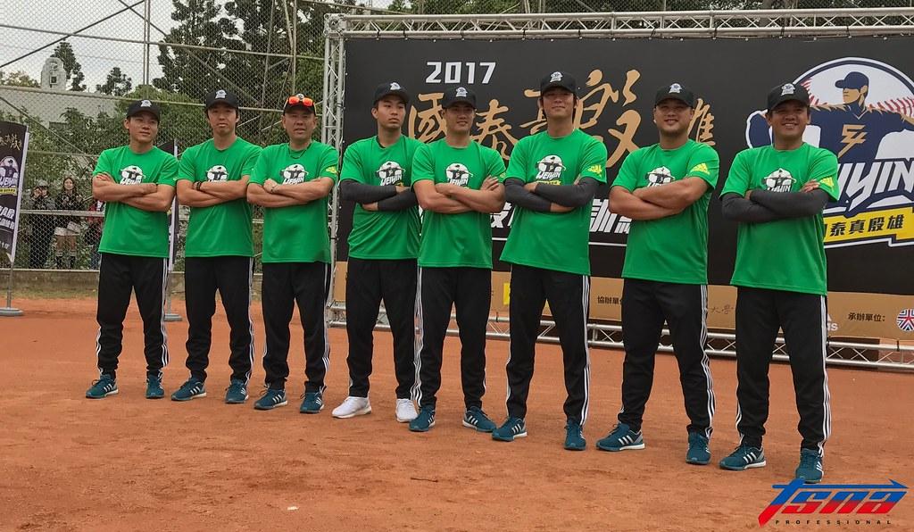 「國泰真殷雄陳偉殷棒球訓練營」今天在新竹清華大學展開。(鍾亞芳/攝)