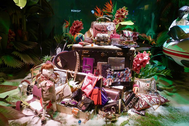 Printemps - vitrines de Noël 2017, Paris