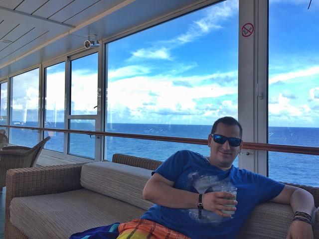 Sele en un barco de crucero en Islas del Caribe