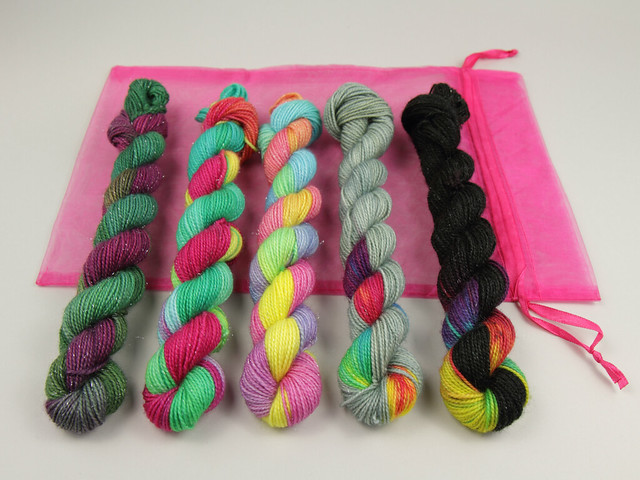 Sock mini skeins merino blend sparkle hand-dyed yarn pack 5 x 20g – Rainbows Collection