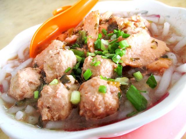 Yong Chuan fish noodles zhao chai hung ngang