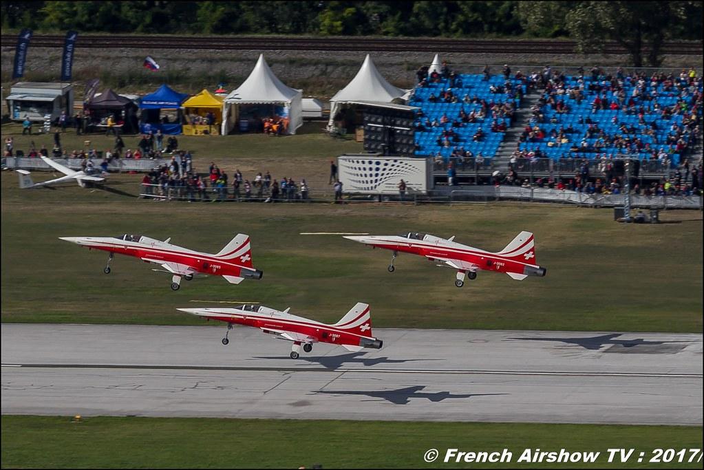 Patrouille Suisse , Breitling Sion Air Show 2017 , sion airshow , montagne , Alpes suisse , Canton du Valais , Meeting Aerien 2017