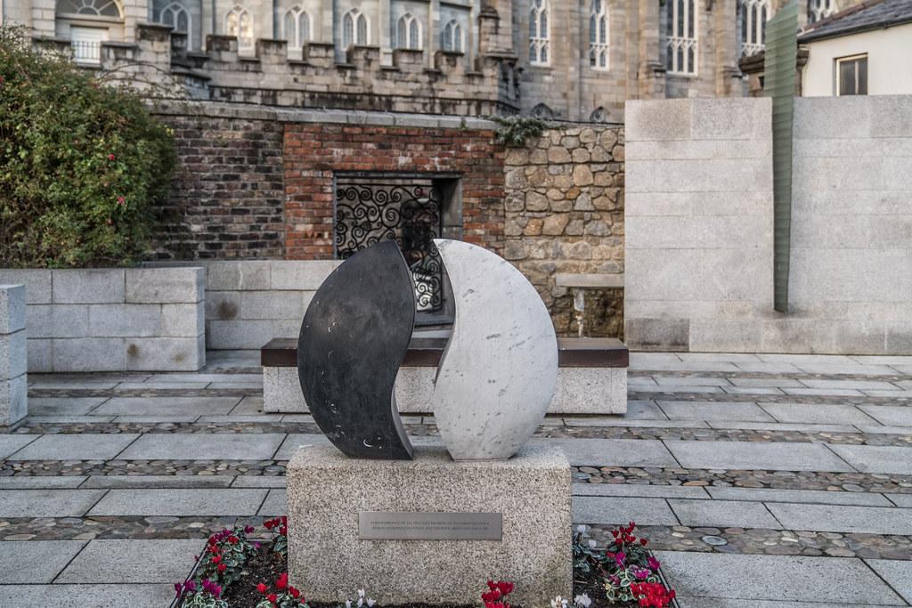 Garda Síochána Memorial Garden 002
