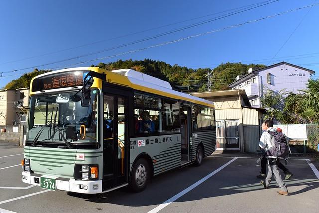 都留市駅発道坂隧道行きバス