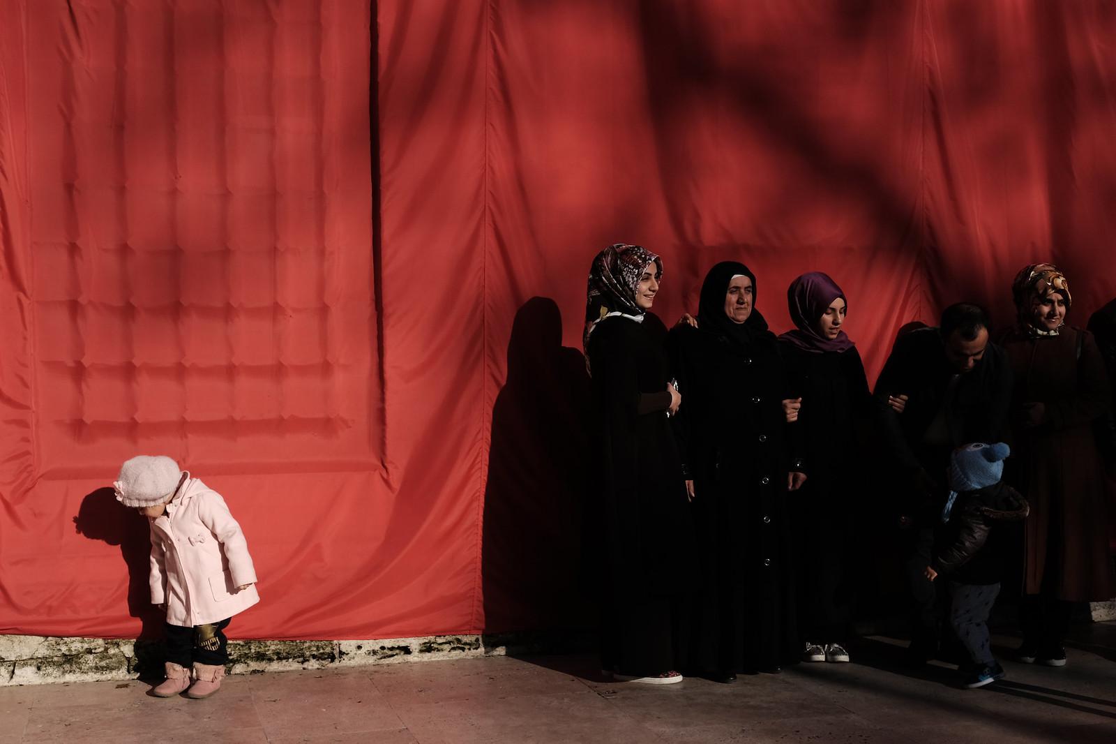 red | by Ufuk Akarı (TURKUAZSTREET)