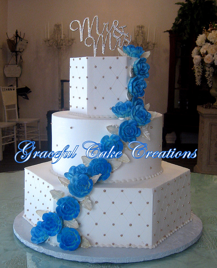Elegant White Butter Cream Wedding Cake with Gold Pearls a… | Flickr