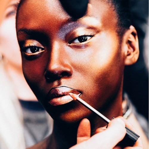 lifestyle ¿Quién dijo que el makeup debe...