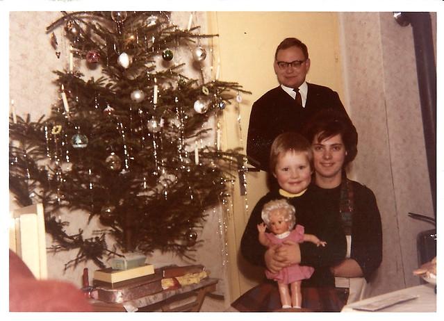 Buch: Als Brunhilde, Barbara und ich das Ewige Licht auspusteten ... Brigitte Stolle ... Weihnachten 1962 in Edingen mit Mama, Papa und Puppe Andrea