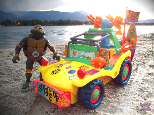 TEENAGE MUTANT NINJA TURTLES :: MIKE'S KOWABUNGA SURF BUGGY .. turns i (( 1991 )) | by tOkKa