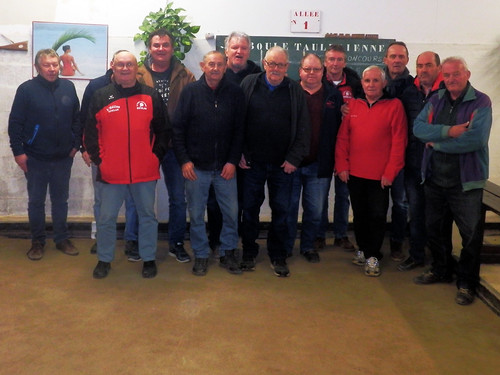 25/11/2017 - Taulé : Concours de boules plombées en doublette mêlée
