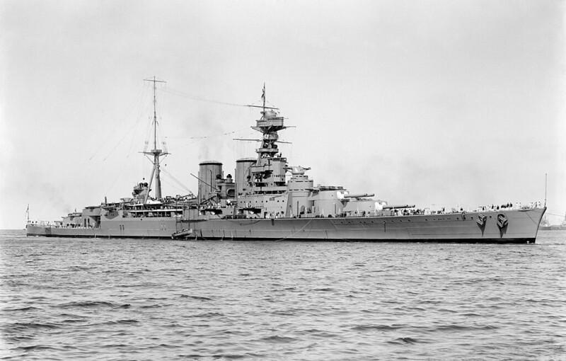 HMS Grimsby en el Mar Rojo