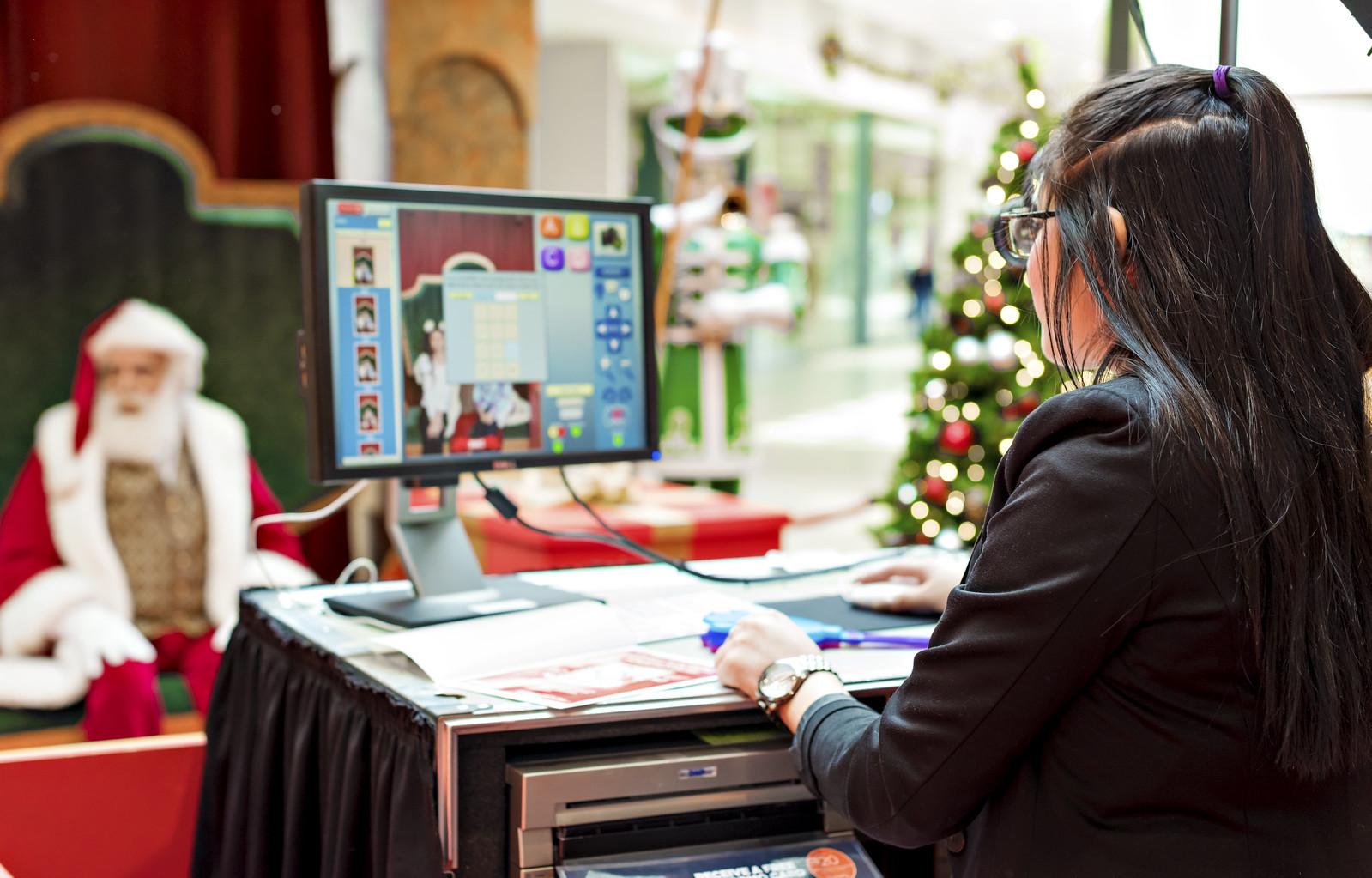 Santa Photo Experience at Ontario Mills