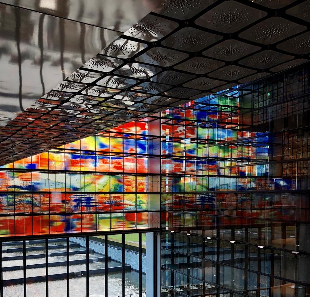 Gebouw van het Nederlands Instituut voor Beeld en Geluid i… | Flickr